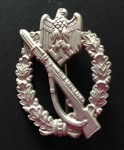 Army Infantry Assault Badge in Silver. Silver finish.  Re-enactor quality.