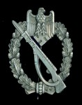 Army Infantry Assault badge in Silver