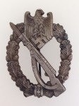 Army Infantry Assault Badge in Silver. EXCEPTIONAL  AGED FINISH