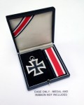 WWII Private Purchase Iron Cross 2nd Class presentation case.