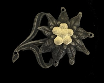 German Army 'Gebirgsjager' enlisted man's metal edelweiss badge- Nickel and brass WITH PINS.