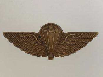 British /New Zealand Army S.A.S. Special Air Service metal Paratroopers jump wings in brass