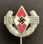 Hitler youth Pin of the German youth for 1941 - Silver grade.