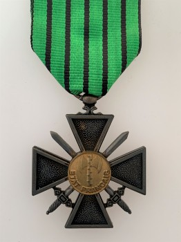 French Vichy Croix de Guerre 'ETAT FRANCAIS' version.