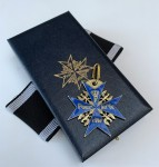 ANTIQUED Imperial German WWI Blue Max Pour Le Merite in Kaiser presentation case