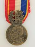 1914 - 1918 French Army WWI Metz Marshal Foch Lafayette medal.